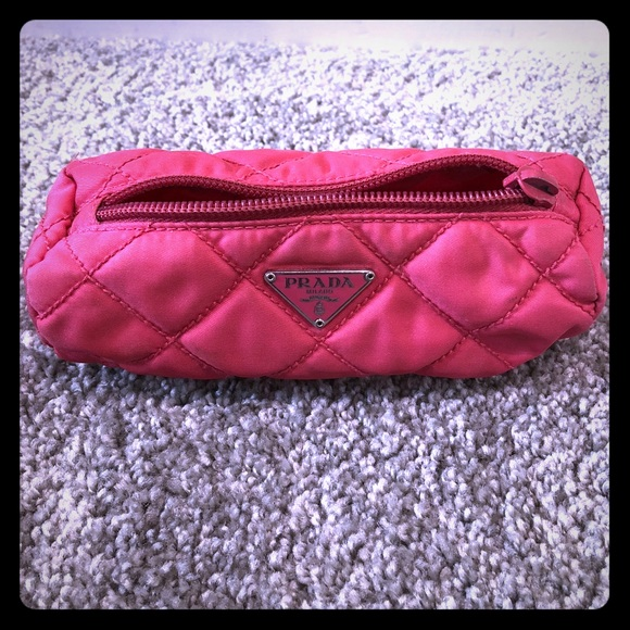 61d135a0465b Prada vintage Hot pink quilted lipstick bag defect.  M_5a01e1567fab3a4f4e020662