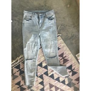 URBAN OUTFITTERS NWOT TWIG HIGH RISE LIGHT WASH