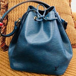 Louis Vuitton Epi Leather Noe Handbag 💕FIRM💕