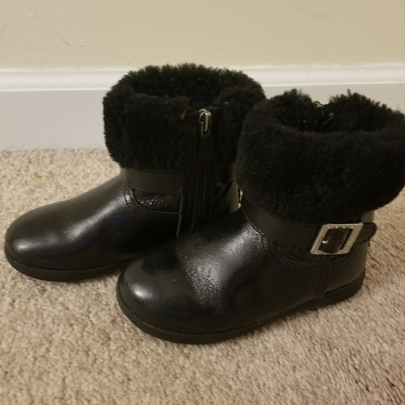 72492e5b92f UGG Girl's (Toddler Size 9) Black Gemma Boots