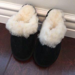 Black suede wool slippers
