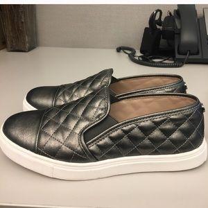 Steve Madden Shoes - Steve Madden Zander metallic slip on