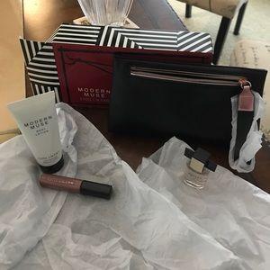 Estée Lauder Modern Muse gift set