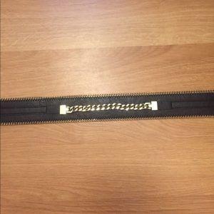 Hm black and gold belt