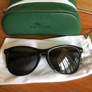 f05875e41d8 Lacoste Accessories - Lacoste black sunglasses with magnetic tip