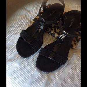 ALFANY Sandals