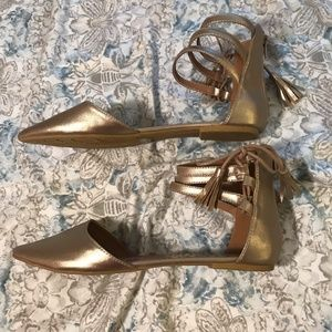 Qupid Strappy Gold Gladiator Ankle Sandals NWOT