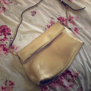 Handbags - GOLD METALLIC GOTTI DREAM! ✨✨✨✨