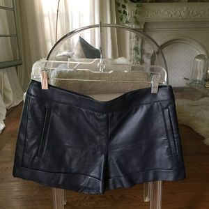 ✨Club Monaco vegan leather navy shorts!!✨