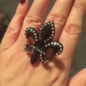 Betsey Johnson fleur de lis Ring