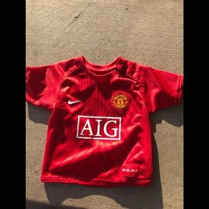 Manchester United boys jersey