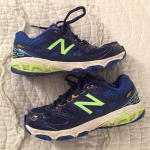 New Balance Size 2 Kids Running Shoes Sneakers