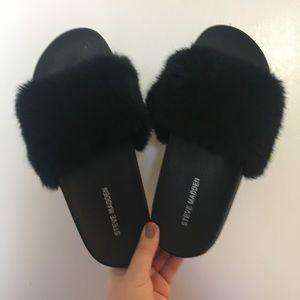 brand new black fluffy steve madden slides