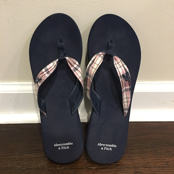 fab318b72d8666 Abercrombie   Fitch Shoes - Abercrombie   Fitch Classic Logo Flip Flops