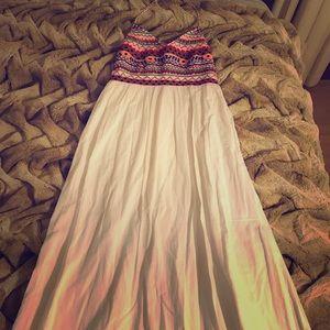 Dresses & Skirts - SALE! Pia Pauro Embroidered Maxi Dress