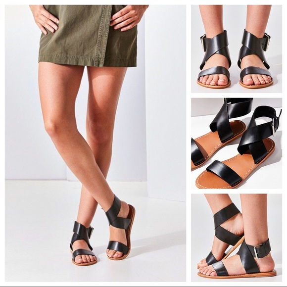 db7ca3dd20c Urban Outfitters Kirstie Black Leather Sandals