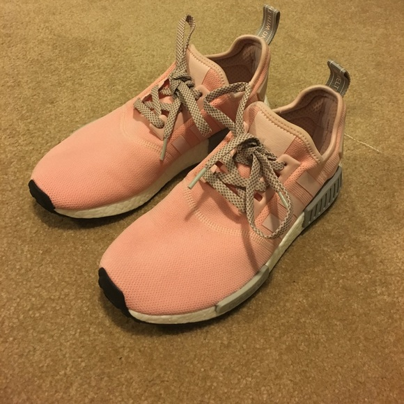 2395ae232 Adidas Shoes - Adidas NMD R1 BY3059 Size 9