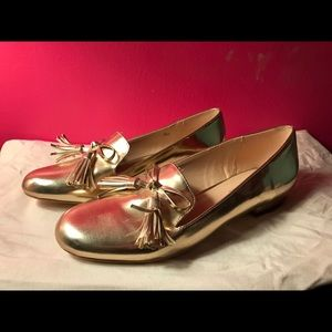 Shoedazzle gold moccasin oxfords