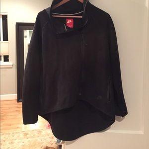 Nike XL Asymmetrical Zipper Tech Fleece