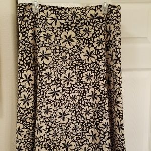 Cute black & cream colored A line skirt
