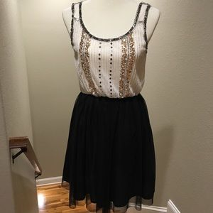 Dresses & Skirts - Boutique Dress Sequins and Tulle Small