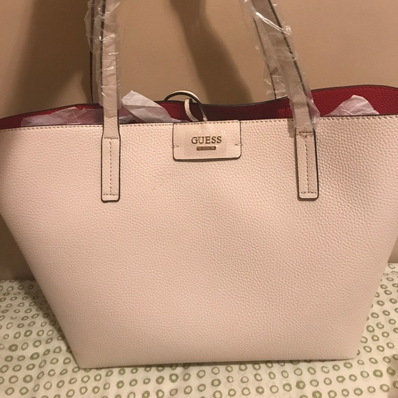 d61d15e79a5f Guess Reversible Bobby Tote