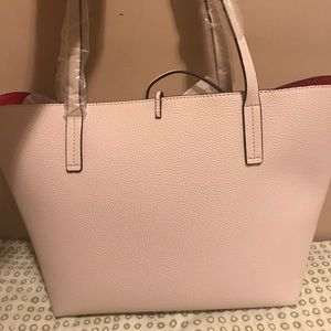 b3bd8a0adb1e Guess Bags - Guess Reversible Bobby Tote