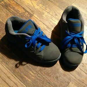 Heelys Size 2 😎