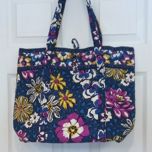 Large Vera Bradley tote African Violet. M 5a028fd9713fde3a49057c9f. Other  Bags you may like. Very Bradley Purple Punch Bag 9098f9081fdbf