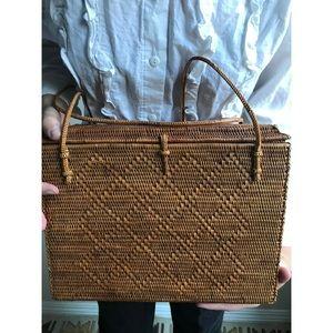 Vintage✨woven structural basket bag