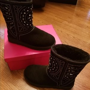cb96abcf254 Authentic Black Fiore Deco studded/spiked Uggs 6