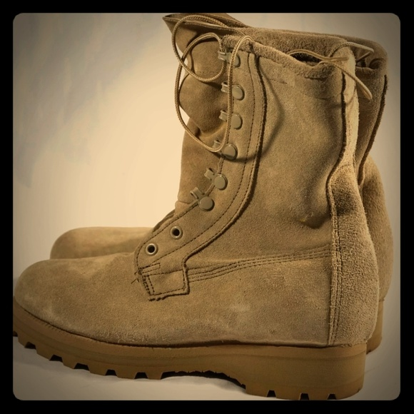 f75a7c501d7 Wellco Army Combat Gore-Tex Vibram military boots NWT