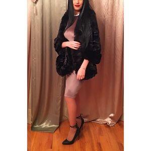 Dresses & Skirts - Velvet fitted dress