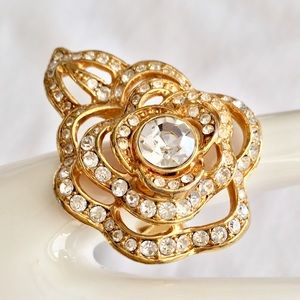 Jewelry - Paula Abdul Rose Statement Ring  Gold & Crystals