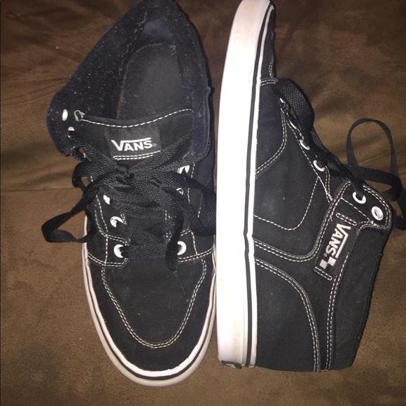 4fbda9f1c0b Vans 9.5 teen men s shoes. M 5a02e7772fd0b7f4e005f856