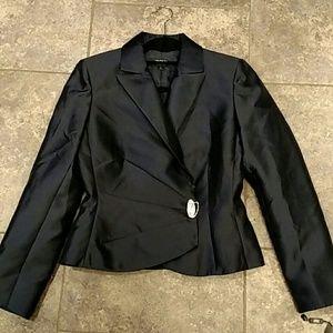 Tahari Arthur Levine Luxe formal jacket, size 6.