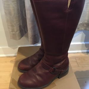 Ugg Dahlen Leather Boots with Shearling Lining