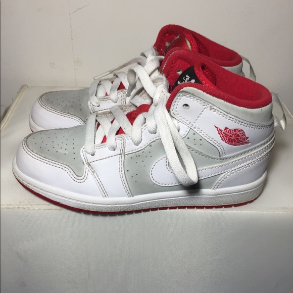 hot sale online f46e7 844c0 Jordan Other - Air Jordan 1 Mid WB Hare