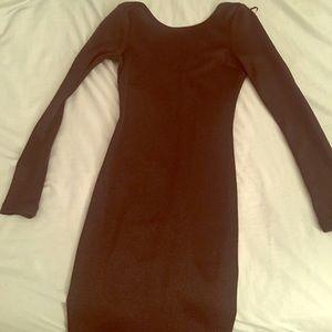Body con dress long sleeve open back, black shinny