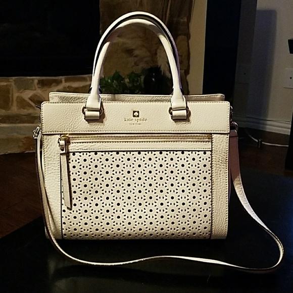 36c2b6d631 kate spade Handbags - Kate Spade eyelet bag