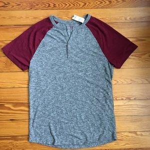 NEW Men's EXPRESS gray & maroon Henley t-shirt.