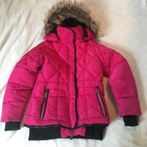 Warm, water resistant puffer winter snow coat.