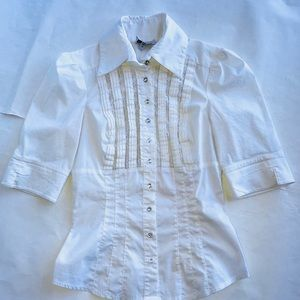 🔴Bebe white lace blouse