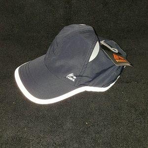 Brand new womans black & white Reebok hat