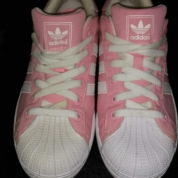 le adidas rosa bianco shell testone poshmark