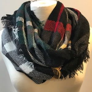 Accessories - NWT Plaid infinity scarf.