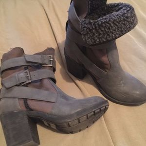 Rockport Boots w Fur top lining & buckle