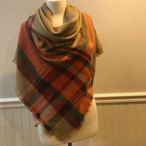 Accessories - New tan plaid blanket scarf