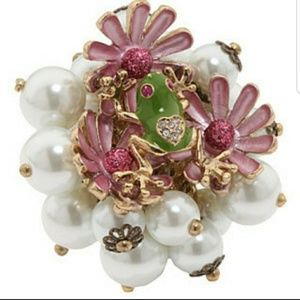 Betsey Johnson adjustable frog&pearl cocktail ring