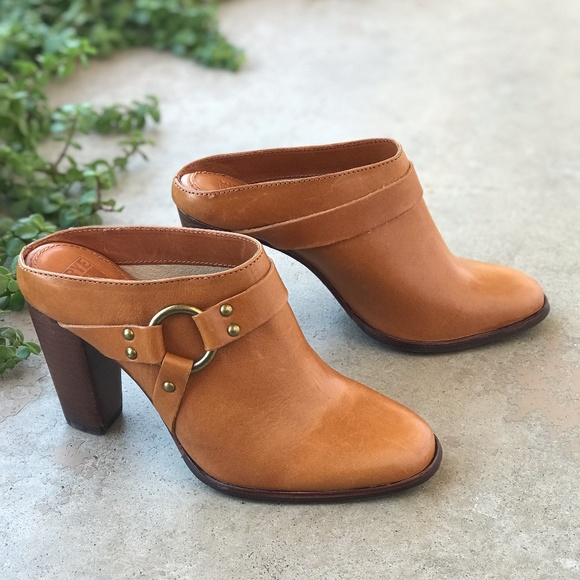 39e462252612 Frye Shoes - New Frye Laurie Light Caramel Tan Booties Mules